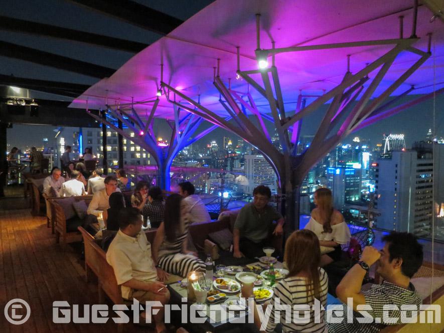 Above 11 rooftop bar in Fraser Suites