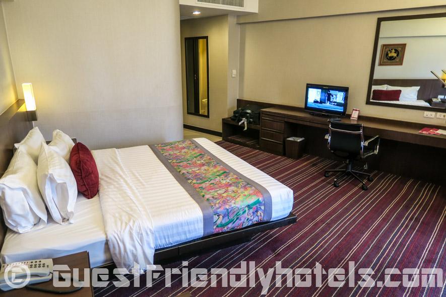Ambassador hotel Superior wing room amentiies