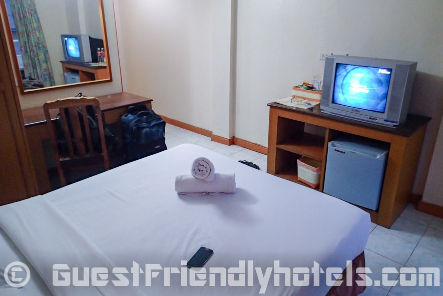 Amenities also include an old school TV and small minibar at the Eastiny Bella Vista Hotel