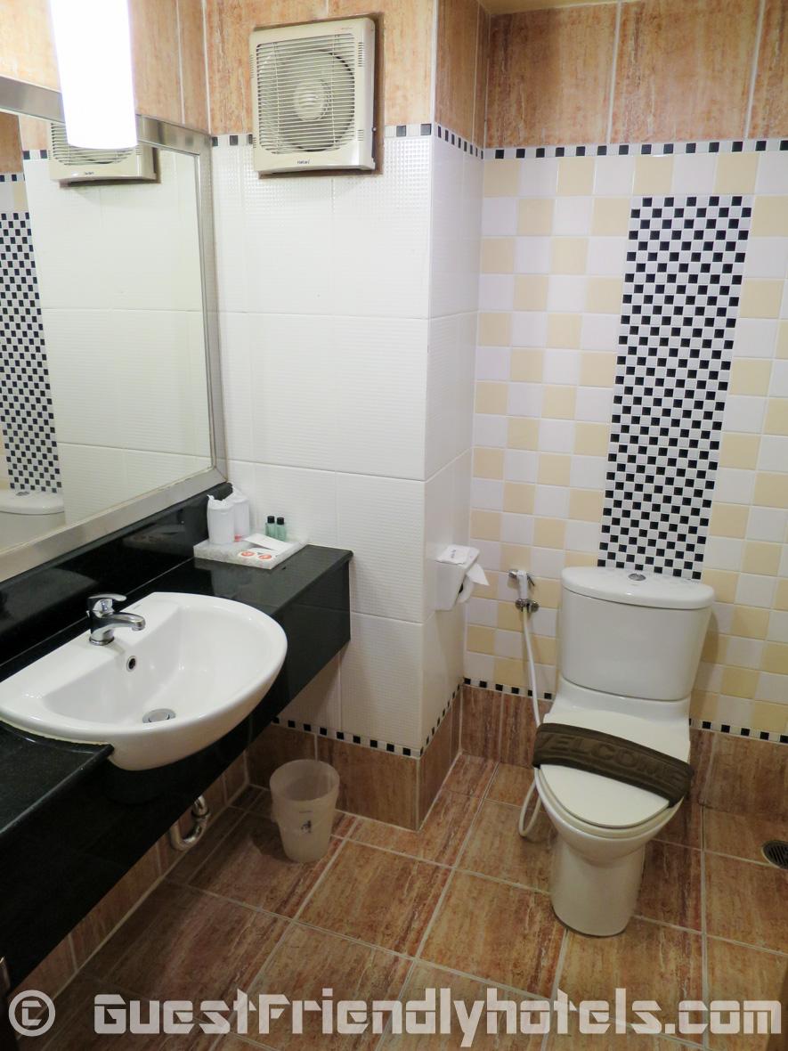 Bathroom features in my Deluxe room at Best Beach Villa