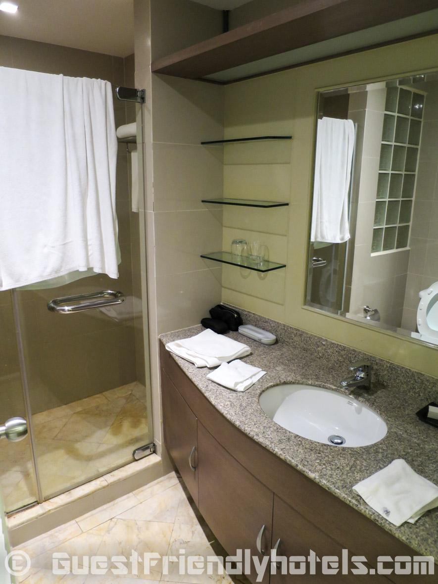 Bathroom in side studio rooms of Phachara Suites Sukhumvit