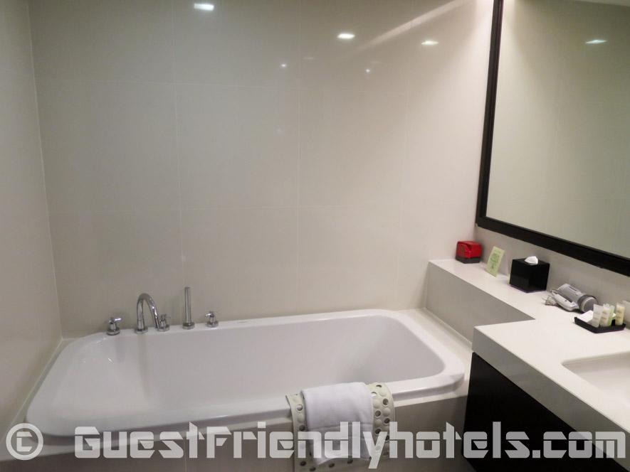 Bathtub inside studios of Fraser Suites Sukhumvit Serviced Apartment
