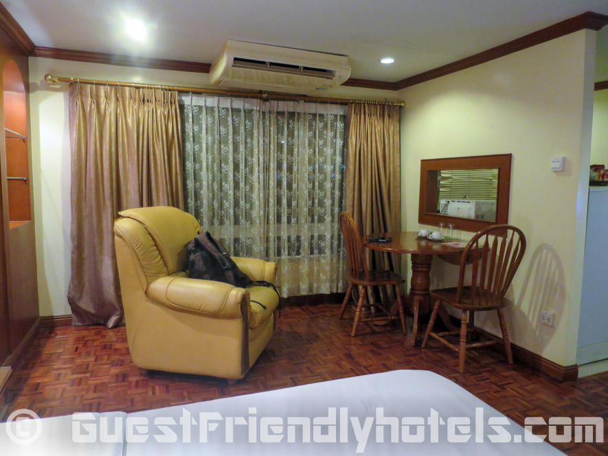 Dated furniture in rooms at Royal Ivory Bangkok Hotel