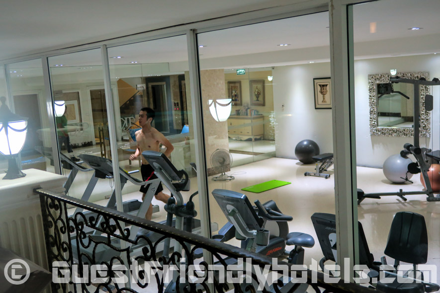 Fitness room just besides the pool in the LK the Empress