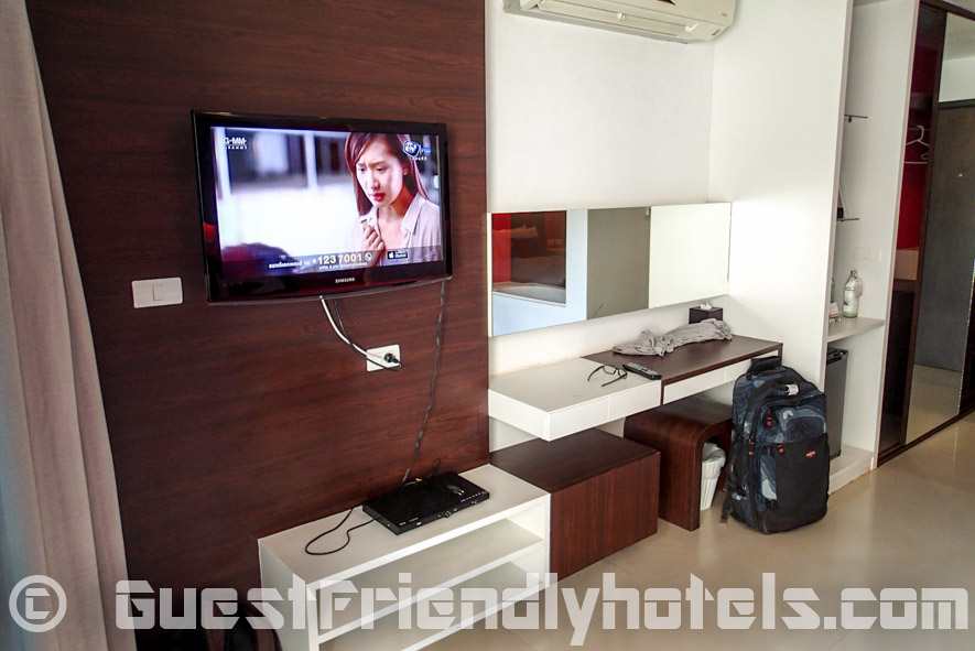 Flat sceen TV and DVD in the Alfresco Phuket Hote