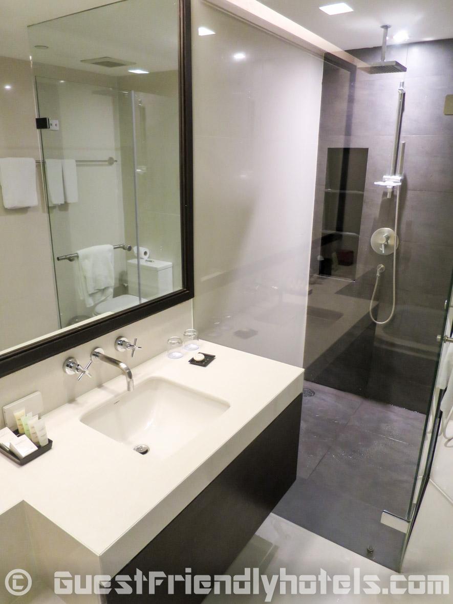 Studio Batrhroom Fraser Suites Sukhumvit Serviced Apartments