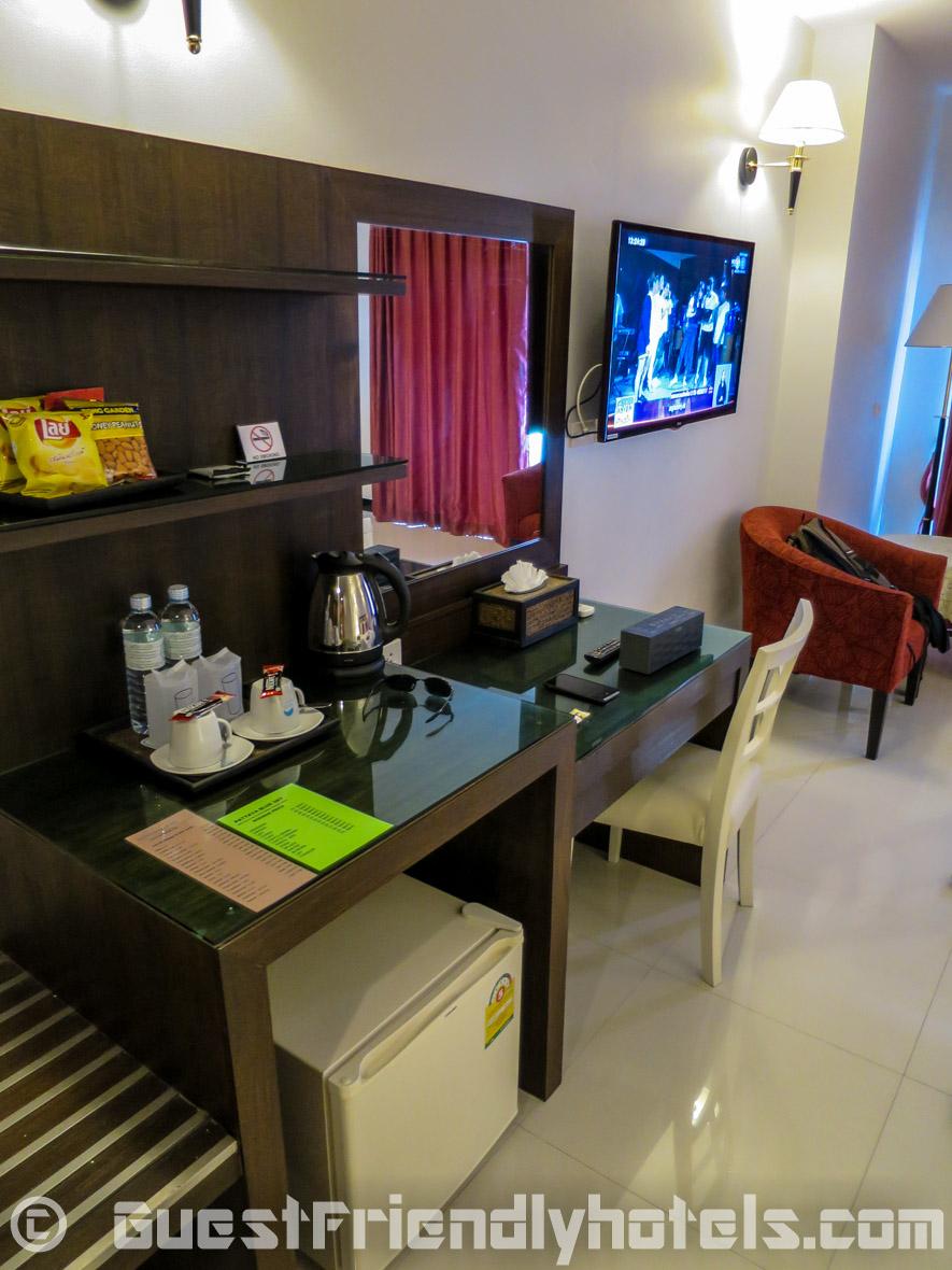 Superior Balcony room furniture inside Pattaya Blue Sky Hotel_