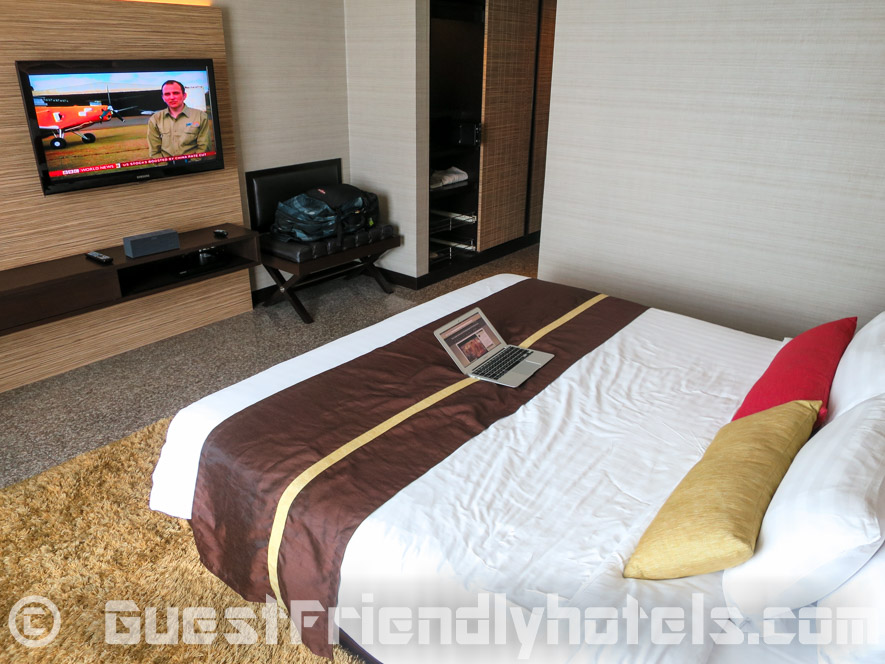 Superior room featured with big LED 40-inch TV on wall in Majestic Grande Hotel Bangkok
