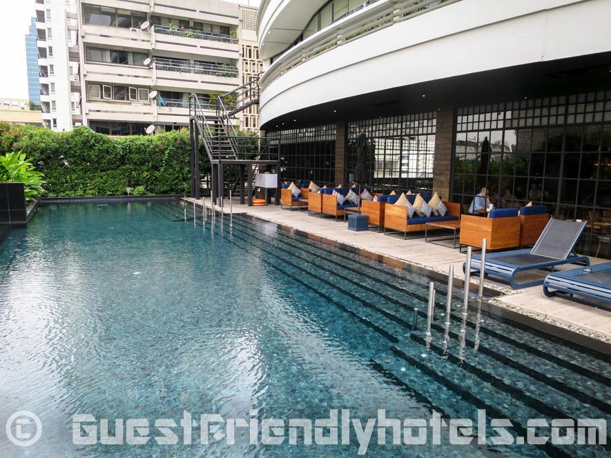 The pool at Fraser Suites Sukhumvit Serviced Apartment in Bangkok Soi 11