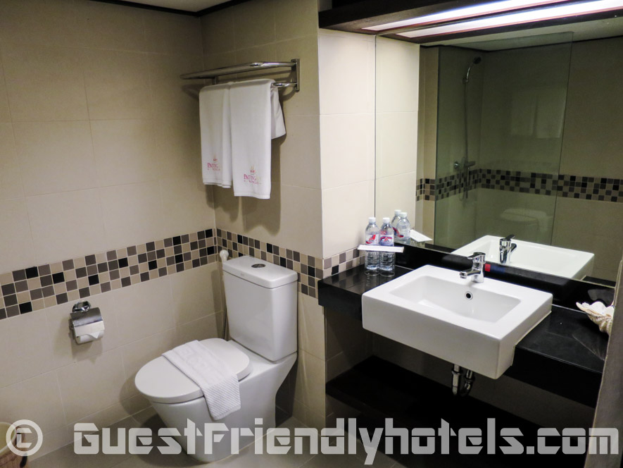 bathrooms in the Deluxe rooms at the Patong Bay Garden Resort