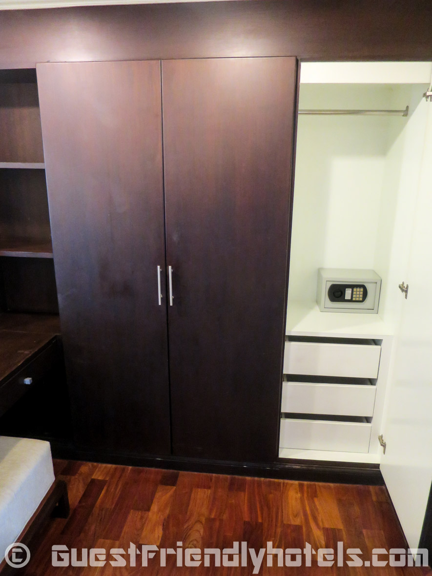 plenty of storage space in the wardrobe and other locations in rooms of SM Grande Residence Bangkok
